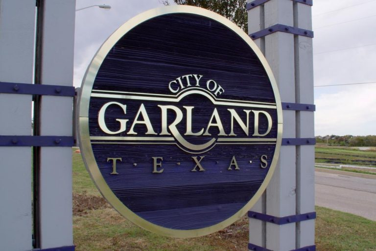 Garland Party Bus Rental Services Company, DFW, Limousine, Limo, Shuttle, Charter Bus, Birthday, Wedding, Bachelor Party, Bachelorette Party, Nightlife, Clubs, Brewery Tours, Winery Tours, Funeral, Quinceanera, Sports, Cowboys, Rangers